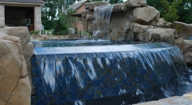 Gunite-vanishing-edge-pool-with-rico-rock-pebble-plaster