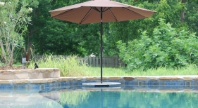gunite-pool-with-granite-cocktail-table-pebble-finish